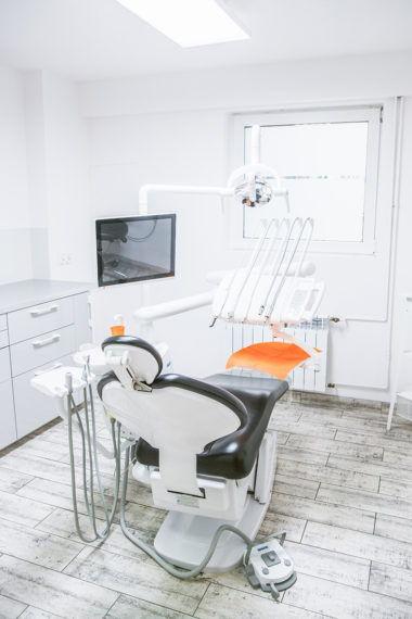 Esthetic Dental Clinic - Gabinet stomatologiczny - Fotel - Dentysta Toruń