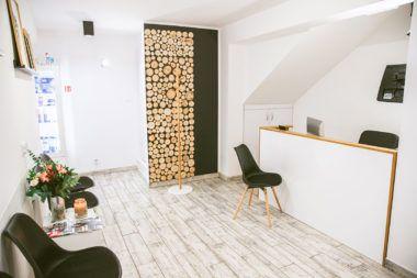 Esthetic Dental Clinic - Dentysta Toruń poczekalnia