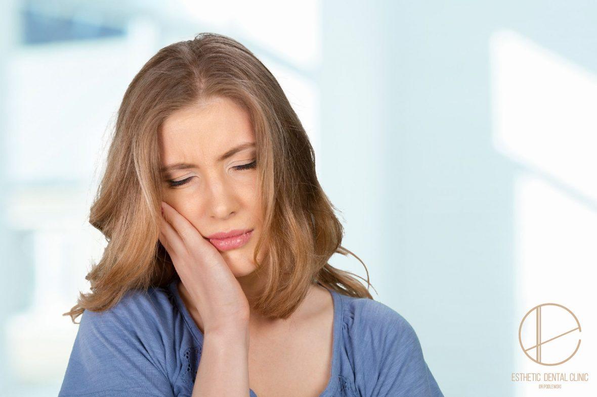 Co robić, gdy bolą dziąsła? Jak najszybciej umów się na wizytę u dentysty