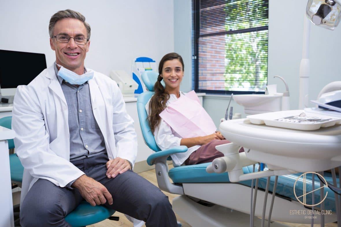 czy leczenie implantologiczne u dentysty jest bezpieczne