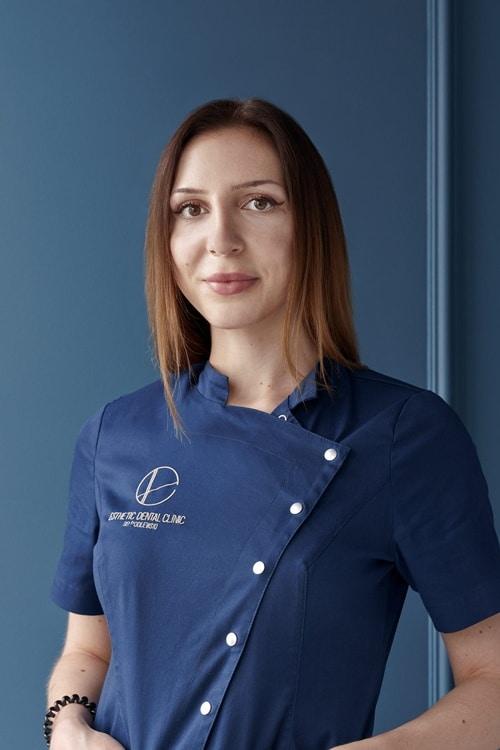 Alicja Puchalska Asystentka Stomatologiczna klinika dentystyczna Toruń