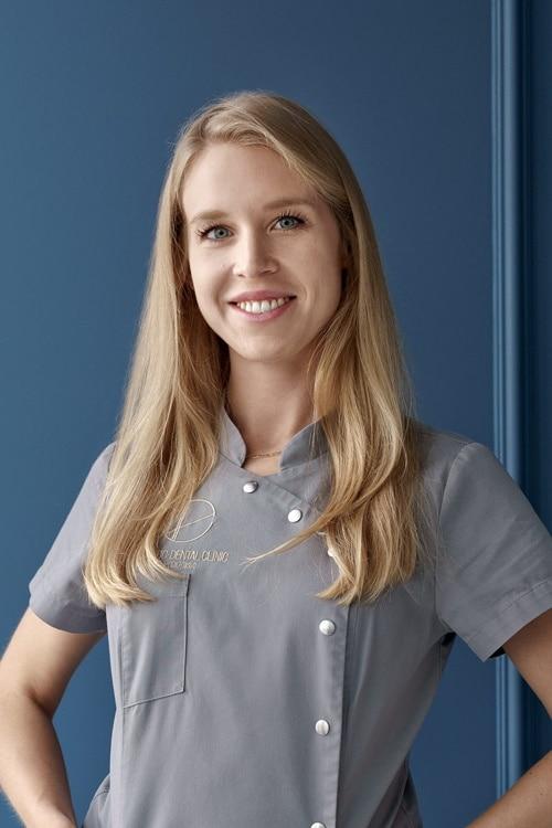 Anna Skulska - lekarz dentysta toruń - endodoncja, protetyka